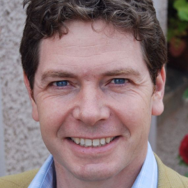 Headshot of Jonathan Garratt